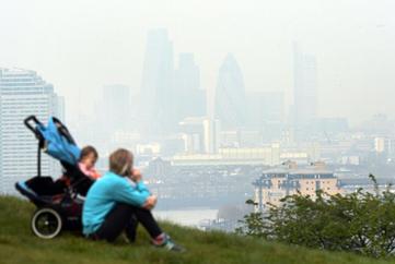 لندنی ها نفس عمیق نکشید هوا آلوده است