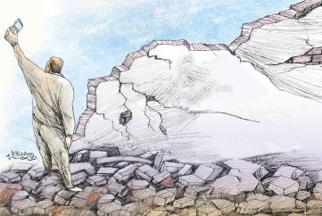 داغ زلزله با سیاسیکاری درمان نمیشود مرهم باشید نه مزاحم