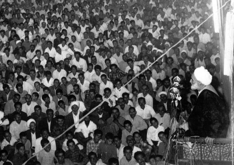 سخنرانیهای بلیغ فلسفی خشم مردم را علیه فرقه بهائیت برانگیخت