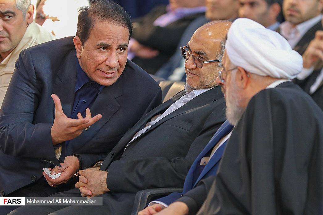 حضور یک متهم اقتصادی در حلقه نزدیکان رئیس جمهور +تصاویر