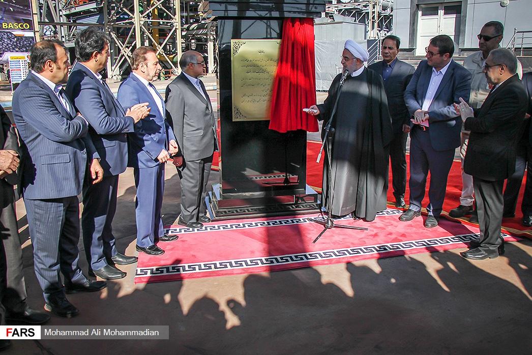 حضور یک متهم اقتصادی در حلقه نزدیکان رئیس جمهور +عکس