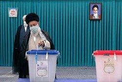 رأی مردم سرنوشت آینده کشور را رقم میزند/ ملت ایران از انتخابات امروز خیر خواهند دید