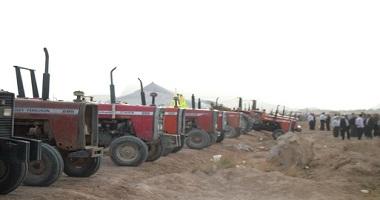 کشاورزان اصفهانی با تراکتور در جاده جوزدان تحصن کردند
