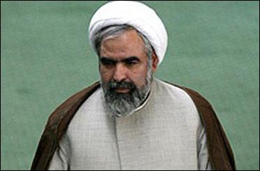 دولت احمدی نژاد چیزی باقی گذاشته که من از آن دفاع کنم؟